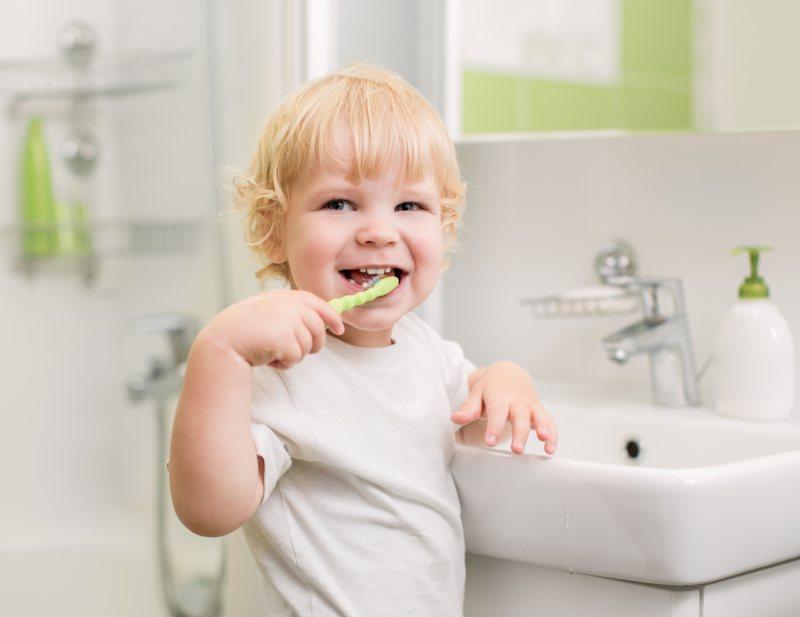 leczenie-zebow-mlecznych-dzieci-stomatolog-dzieciecy-warszawa