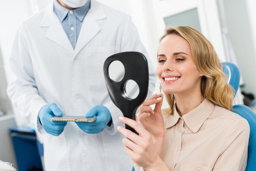 protetyk-stomatologiczny-warszawa-braki-w-uzebieniu-konsekwencje