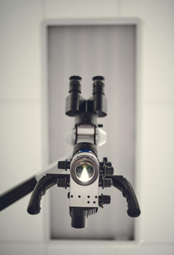leczenie kanałowe pod mikroskopem warszawa